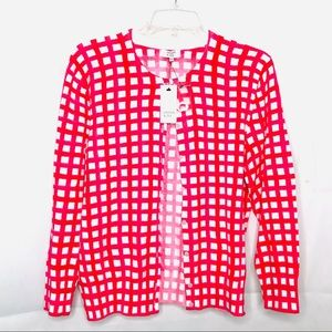Crown and airy checkered button sweater